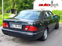 Mercedes-Benz E320 4MATIC