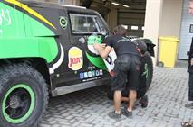 Владимир Васильев выигрывает второй спецучасток на гонке в Абу-Даби, фото 3