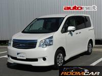 Toyota Noah 2.0 4WD