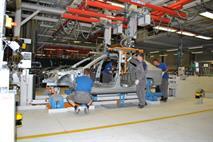 Сразу три автомобильных завода останавливают производство в России, фото 1