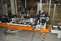 Сразу три автомобильных завода останавливают производство в России, фото 2