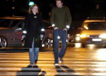 Пешеходов обязали носить светоотражающие повязки, фото 1