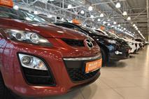Россияне начали скупать автомобили, фото 1