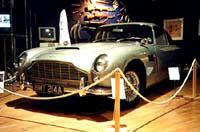 Aston Martin: DB 5 (1963 г.)-машина Джеймса Бонда