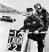 Колин Чэпмен на соревнованиях Формулы 1