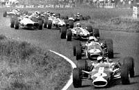 На трассе одни McLaren-1972 год
