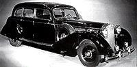 К 1939 году автомобили Mercedes-Benz стали выглядеть так