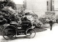 Братья Пежо во время испытания одного из первых автомобилей собственной конструкции