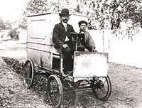 Луи Рено испытывает первый грузовик производства своей фирмы