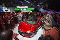 Acura показала в Детройте серийную версию прототипа NSX, фото 3