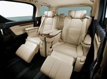 В России начались продажи обновленного минивэна Toyota Alphard, фото 2