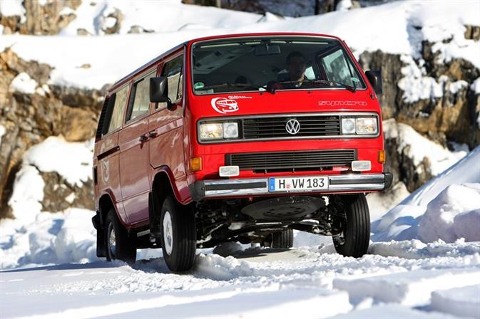 Первому минивэну Volkswagen исполнилось 65 лет, фото 1