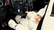 За оставленного в машине ребенка предложено штрафовать, фото 1