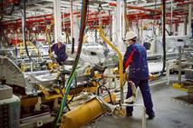 Peugeot Citroen и Mitsubishi снижают производство в Калуге, фото 1