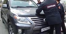 Приморскому депутату, который хотел проехать на машине через колонну демонстрантов 1 мая, предъявлено обвинение, фото 1