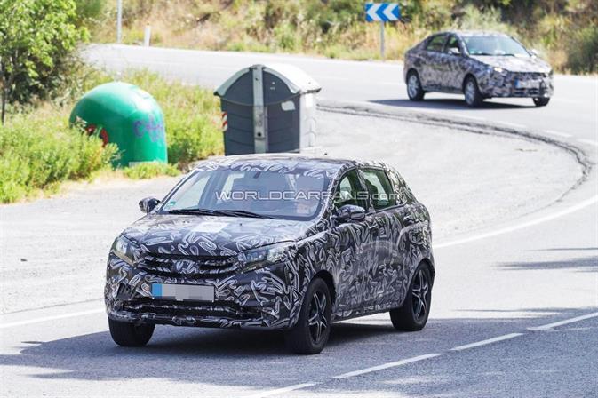Lada Vesta и Xray заметили в Испании, фото 1