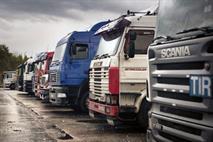 Частным лицам запретят быть владельцами грузовиков и автобусов, фото 1