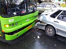 За совершение двух ДТП водителям запретят перевозить пассажиров, фото 1