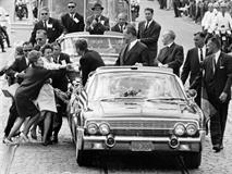 Номера с автомобиля Кеннеди ушли с молотка, фото 1