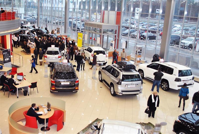 11 автомобильных компаний подняли цены в декабре