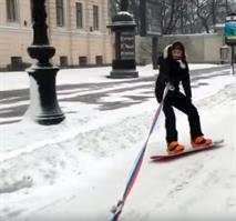 Полиция оштрафовала катавшегося по Невскому проспекту сноубордиста, фото 1