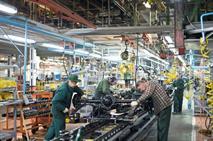 Работники УАЗа требуют повышения зарплат, фото 1