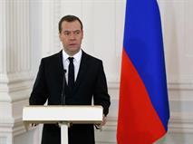 Медведев объяснил необходимость транспортного налога кризисом