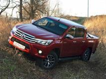 В РФ отзовут пикапы Toyota Hilux из-за выпадающих стекол
