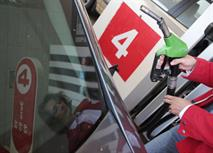 В России запретили продавать бензин класса Евро-4, фото 1