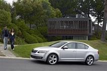 Продажи машин С-класса рухнули на 35%, фото 1
