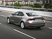 Два седана Lexus покинули рынок РФ, фото 1