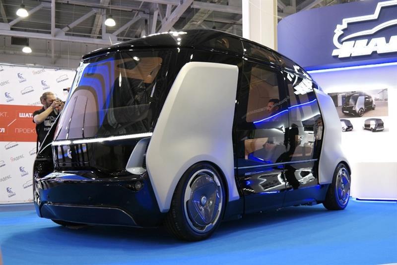 КамАЗ и«Яндекс» представили беспилотный автобус
