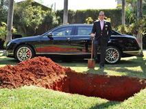 Государство заставило водителей-должников рыть могилы
