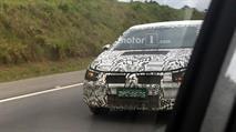 Шпионы сфотографировали новый седан VW Polo, фото 1