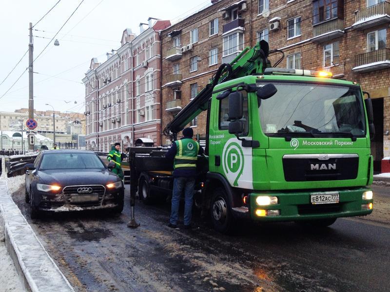 СКпроверит тарифы наэвакуацию машин в столицеРФ