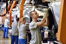 Избежавших увольнения сотрудников АвтоВАЗа заставят больше работать