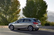 В России появился переднеприводный компактвэн BMW, фото 1