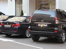 Госдума подумает о штрафах за парковку с закрытыми номерами