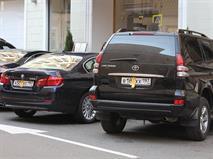 Госдума подумает о штрафах за парковку с закрытыми номерами, фото 1