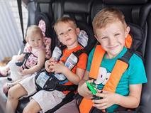 Верховный суд разрешил перевозить детей без автокресел