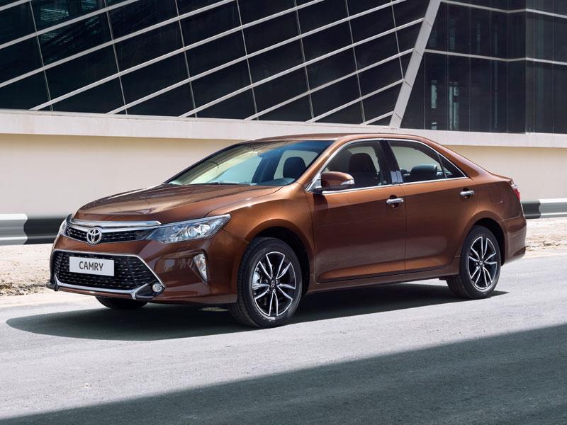 Тойота обновила седан Camry для русского рынка