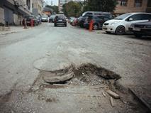 Мэрию Саратова заставили оплатить ремонт попавшей в яму машины