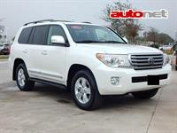 Toyota Land Cruiser 200 4.6 4WD