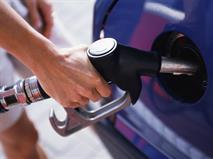За один месяц бензин подорожал в РФ на 0,7 процента, фото 1