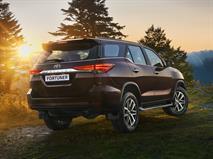 Новый внедорожник Toyota оценили в 2,6 млн рублей, фото 2