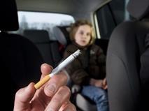 Минздрав предожил запретить курение в автомобилях