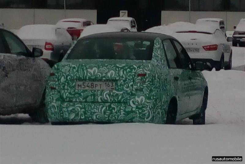 «АвтоВАЗ» вывел натесты улучшенный седан Лада Granta