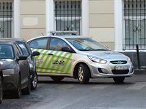 Водитель Москвы получил штраф за остановку перед светофором