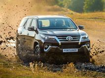 Новый Toyota Fortuner стал дешевле Land Cruiser Prado, фото 1