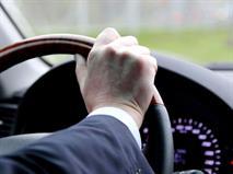 В РФ предложили платить водителям за езду без штрафов